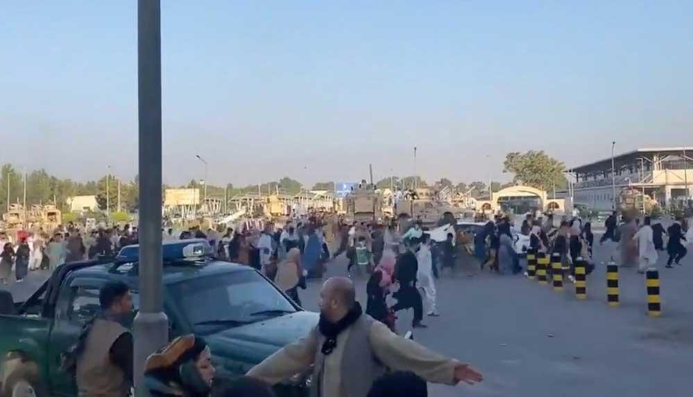 İngiltere Savunma Bakanlığı, Kabil Havalimanı'ndaki kaosta 7 Afgan'ın öldüğünü açıkladı