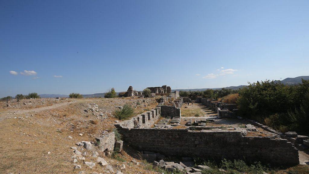 Didim'deki antik kent Miletos'ta 2 bin 400 yıllık iki eve ulaşıldı