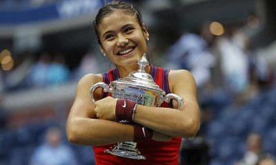 ABD Açık'ta tek kadınlar şampiyonu 18 yaşındaki Emma Raducanu oldu