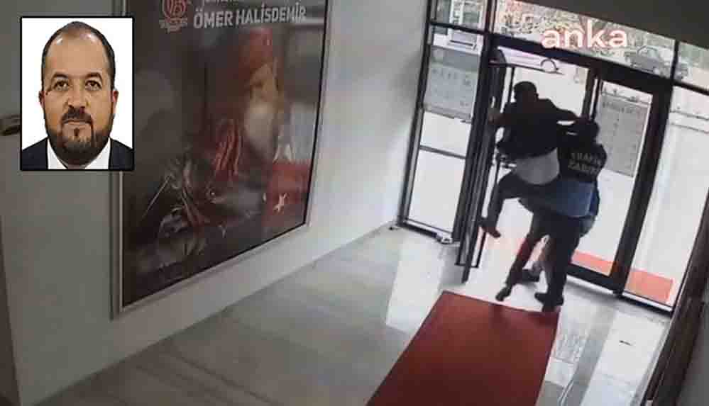 AKP'li belediye başkanı Fatih Ünsal'ın bir yurttaşı döverken çekilmiş görüntüsü ortaya çıktı