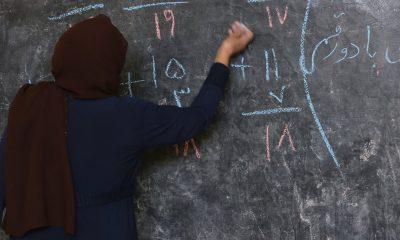 Afganistan'da Taliban kız öğrencileri ortaokul eğitimine dahil etmedi