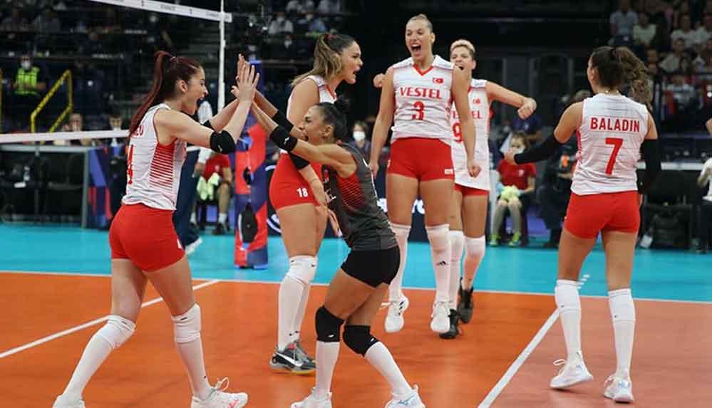 Filenin Sultanları Avrupa Şampiyonası yarı finalinde Sırbistan'a 3-1 yenildi