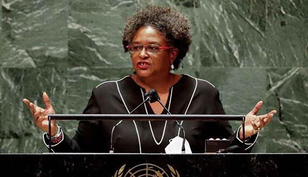 Barbados Başbakanı: Erkeklerin kelliğine çözüm bulabiliyorsak, uygun fiyatlara yemek gibi basit sorunları da çözebiliriz