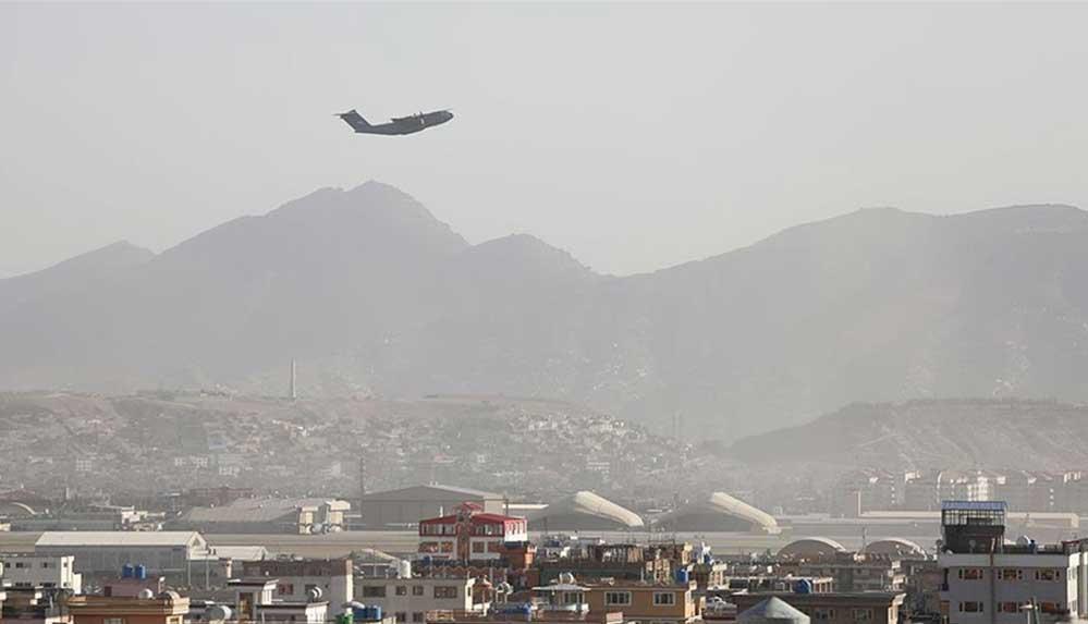 Blinken, Afganistan'dan ayrılmak isteyenlerin Taliban tarafından rehin tutulduğu iddialarını yalanladı