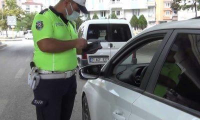 Kırıkkale'de Covid-19 temaslısı aile trafikte yakalandı