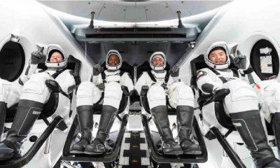Dünya yörüngesine çıkan ilk turistler yeryüzüne döndü