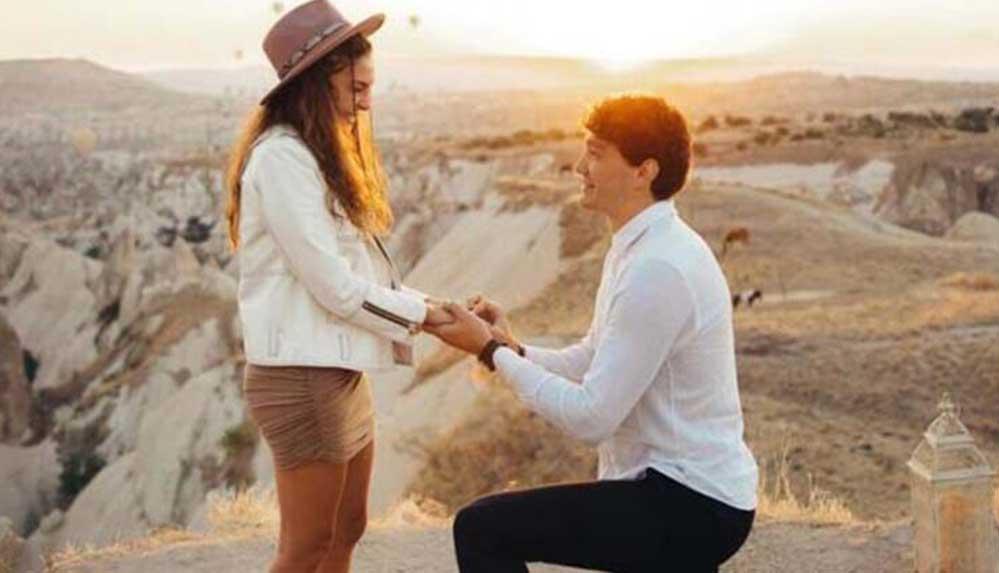 Cedi Osman'dan Ebru Şahin'e romantik evlilik teklifi