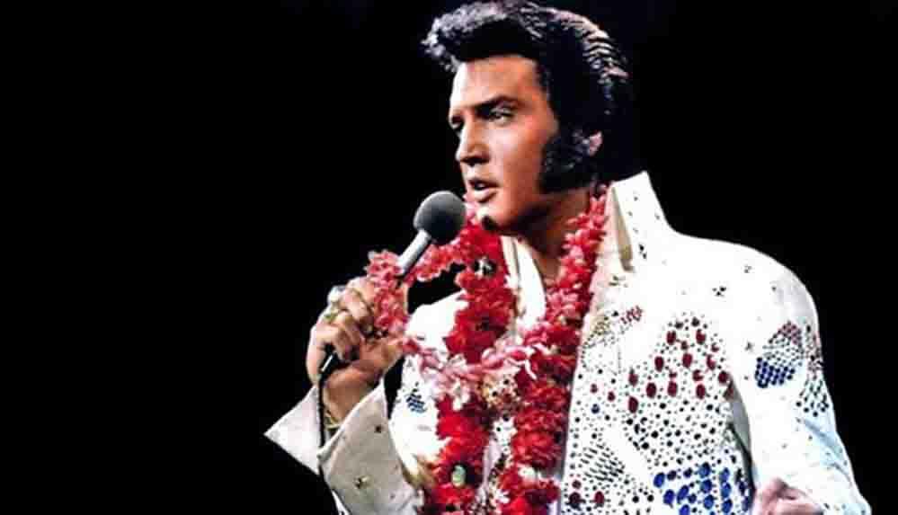 Elvis Presley'nin ünlü tulumu ve pelerini açık artırmaya çıkarılıyor