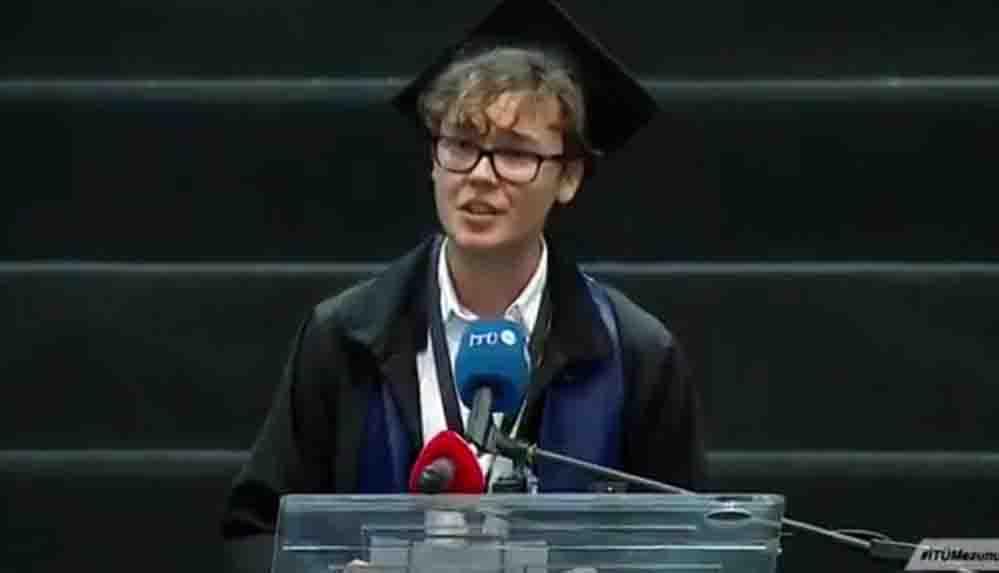 """İTÜ birincisinin konuşması törene damga vurdu: """"Yozlaşmış bu sistemi değiştireceğiz"""""""