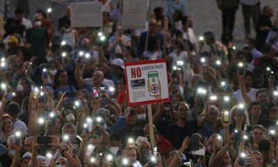 İtalya'da polis, şiddet eylemleri planlayan aşı karşıtlarına operasyon düzenledi