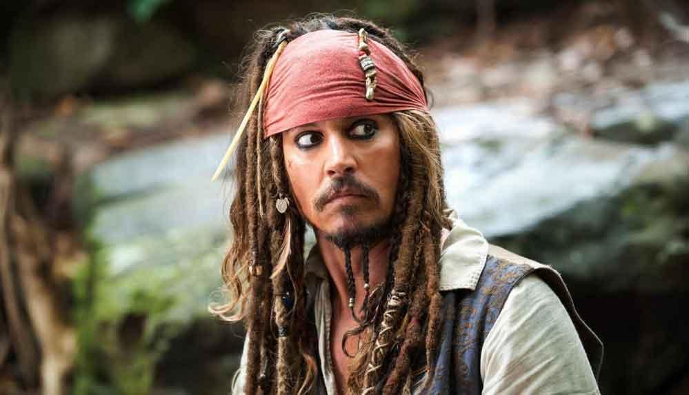 Johnny Depp: Çocuk partilerinde de olsa Jack Sparrow'un ruhunu canlı tutacağım