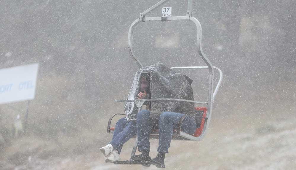 Uludağ'a ve Ilgaz'a mevsimin ilk karı yağdı
