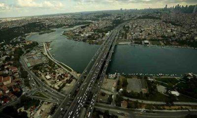 Okulların açıldığı ilk gün İstanbul'da trafik yoğunluğu yaşanıyor