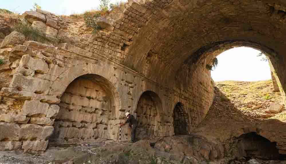 'Türkiye'nin kolezyumu'nda seçkinlere özel 1800 yıllık localar bulundu