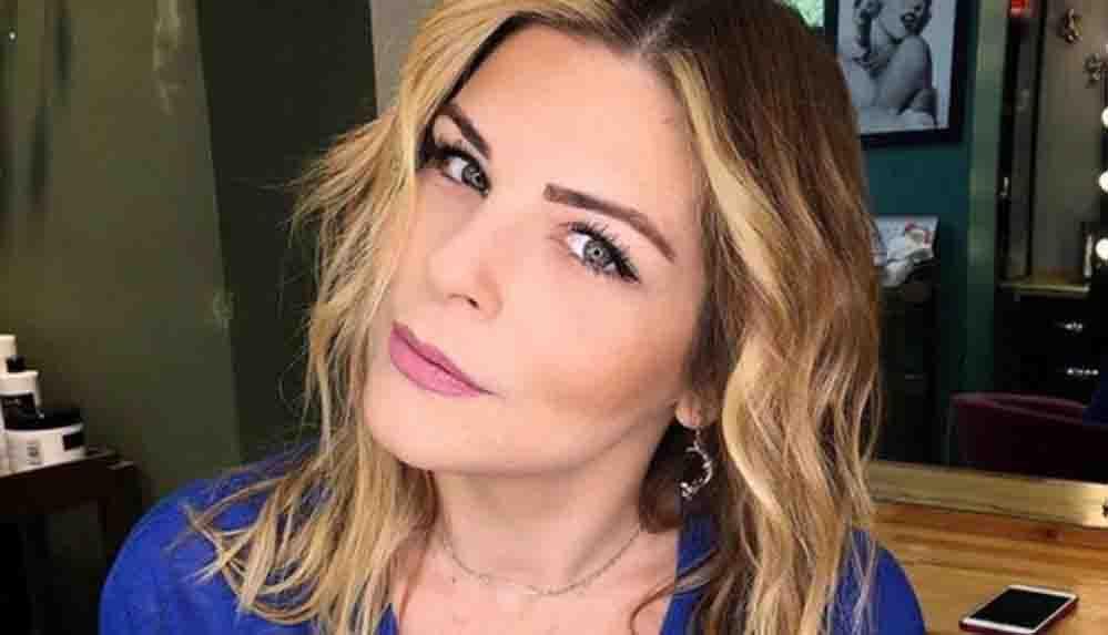 Ünlü oyuncu Pelin Öztekin takipçisinin cinsel içerikli mesajlarını ifşa etti