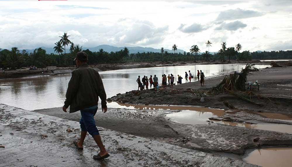 Filipinler'de etkili olan tayfunda ölü sayısı 17'ye çıktı