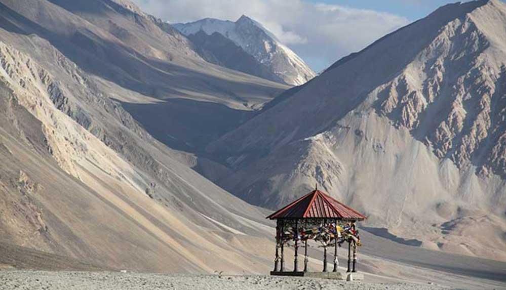 Hindistan, Çin ile tartışmalı sınır bölgesini turizme açtı