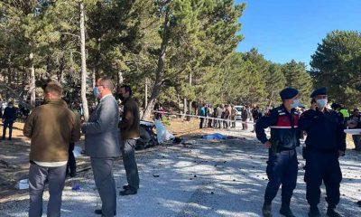 Afyonkarahisar'da 5 öğrencinin yaşamı yitirdiği kazayla ilgili İlçe Milli Eğitim Müdürü ile Alanyurt Ortaokulu Müdürü görevden alındı