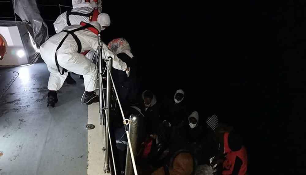 Aydın açıklarında 63 düzensiz göçmen kurtarıldı