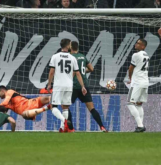 Beşiktaş, UEFA Şampiyonlar Ligi'nde Sporting Lizbon'a farklı yenildi