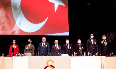 Galatasaray'da eski başkan ve yönetim ibra edildi!
