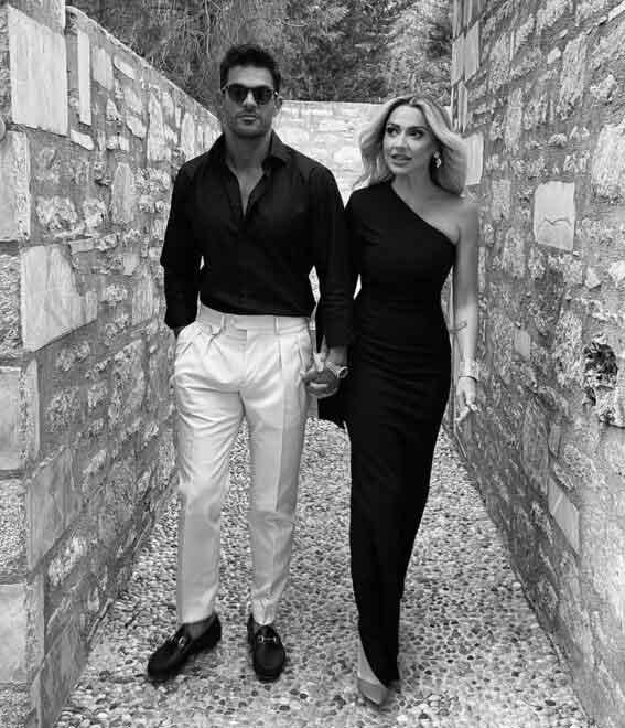 Hadise ve sevgilisi Mehmet Dinçerler'den ilk poz!