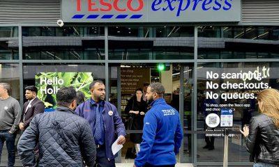 İngiltere'de kasasız market hizmete açıldı