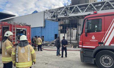 Kadıköy'de AVM'de yangın çıktı