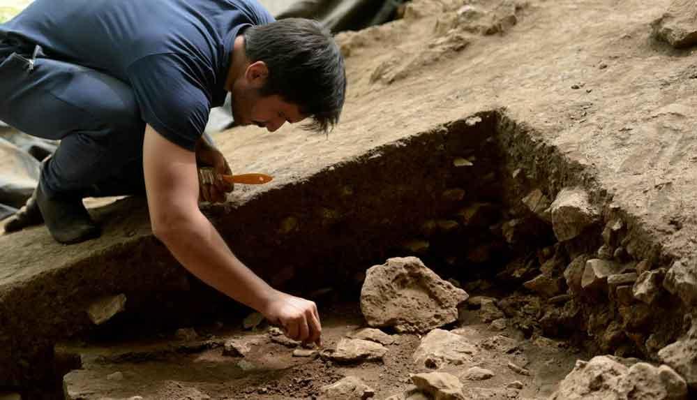 Kahramanmaraş'ta 14 bin 500 yıllık tarım aletleri gün ışığına çıkarıldı