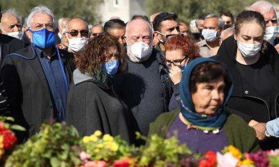 Sanatçı Musa Eroğlu'nun eşinin cenazesi Mersin'de defnedildi