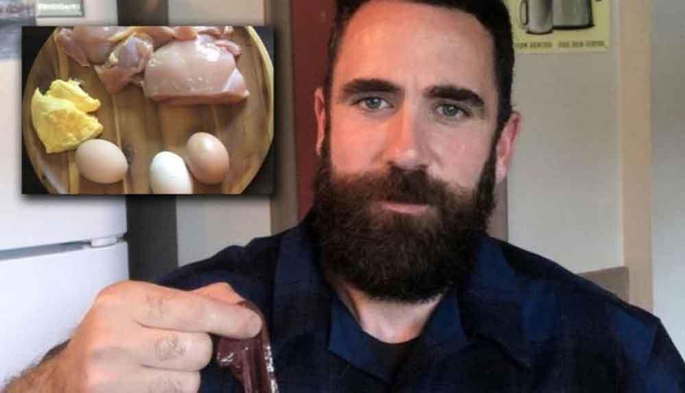 """Üç yıldır sadece çiğ tavuk, balık ve sakatatla beslendiğini söyleyen YouTuber: """"Hiç olmadığım kadar sağlıklıyım"""""""