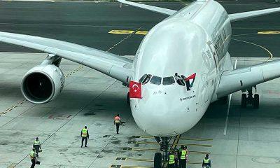 """""""Dünyanın en büyük yolcu uçağı""""yla İstanbul Havalimanı'na ilk tarifeli uçuş gerçekleştirildi"""