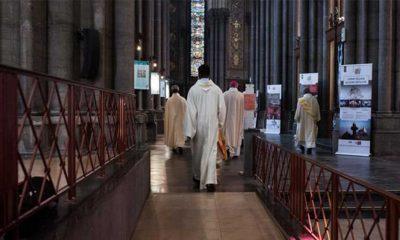 Avrupa, Fransa'da yüz binlerce çocuğun kiliselerde istismara uğraması ile çalkalanıyor